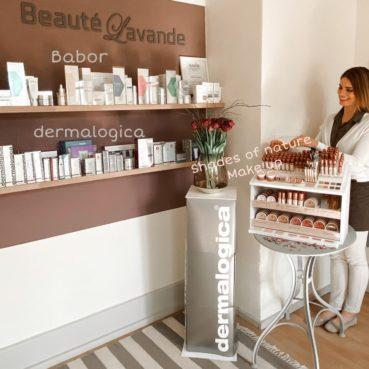 Kosmetikprodukte_grosse Auswahl_Produkte_Pflegeprodukte_Hautcréme_Hautpflege_Hautreparatur_schöne Haut
